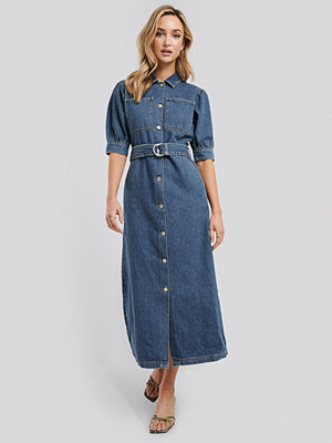 NA-KD Trend Puff Sleeve Belted Denim Dress blå