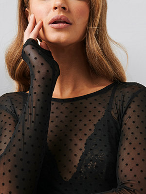 Toppar - Sisters Point Vinni-O Blouse svart