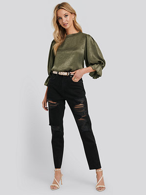 NA-KD High Waist Ripped Mom Jeans svart