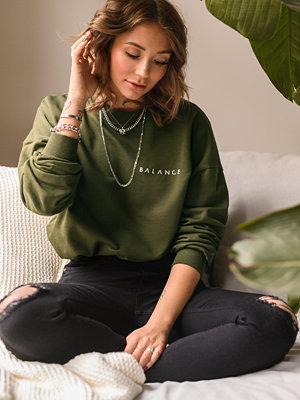 Nicci Hernestig x NA-KD Balance Sweater grön