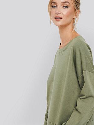 NA-KD Basic Basic Wide Sweater grön