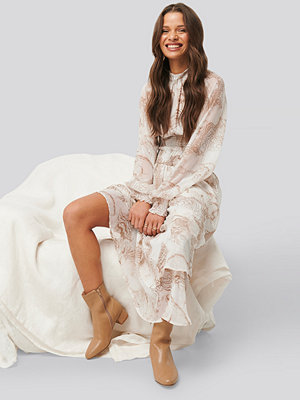 NA-KD Trend Smocked Waist Midi Dress multicolor
