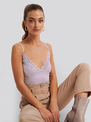 NA-KD Party Jersey Lace Singlet lila