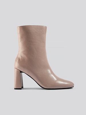 NA-KD Shoes Angular Heel Booties beige