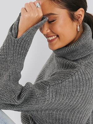 NA-KD Trend Sleeve Slit Knitted Sweater grå