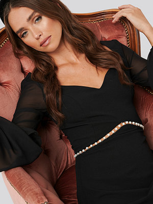 Trendyol Pearl Detail Dress svart
