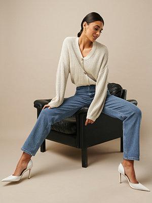 Nicki x NA-KD High Waist Straight Jeans blå
