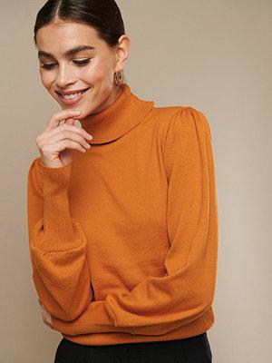 Nicki x NA-KD High Neck Puff Sleeve Sweater orange