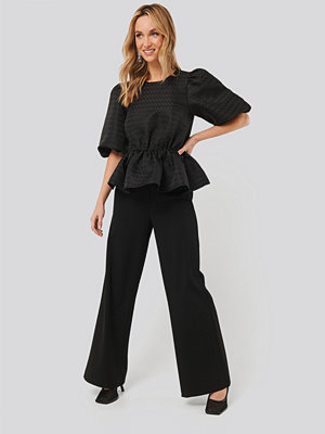 NA-KD svarta byxor Straight Fit Trousers svart