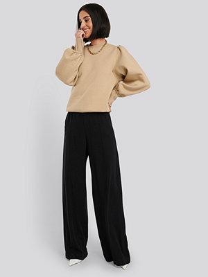 NA-KD svarta byxor High Waist Wide Leg Pants svart