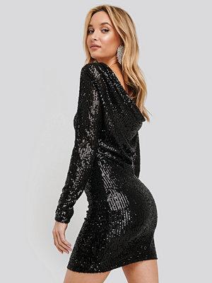 Trendyol Back Detailed Sequined Dress svart