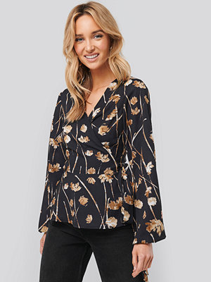 NA-KD Printed Overlap Blouse multicolor