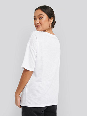 NA-KD Basic Round Neck Ribbed Oversized Tee vit