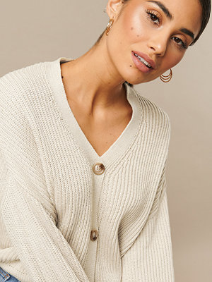 Nicki x NA-KD Knitted Big Sleeve Cardigan beige