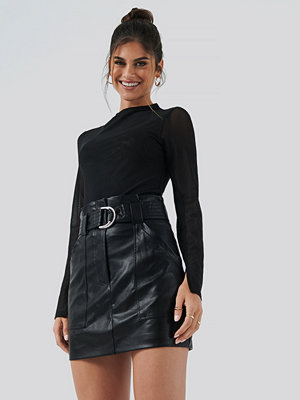 Hannalicious x NA-KD PU Mini Skirt svart