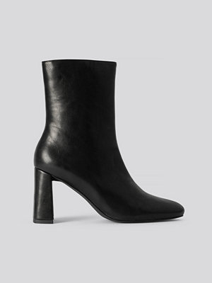 NA-KD Shoes Angular Heel Booties svart