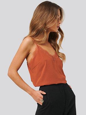 Anna Skura x NA-KD Lace Singlet orange
