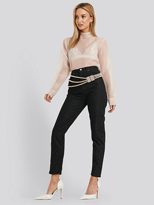 Trendyol High Waist Mom Jeans svart