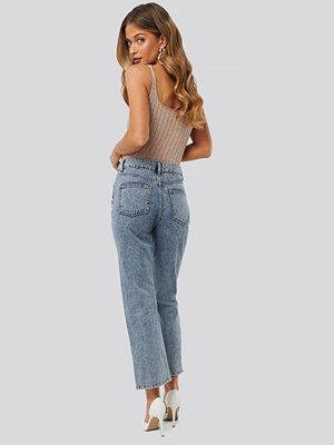 Anna Skura x NA-KD High Waist Straight Jeans blå