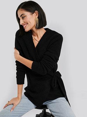 NA-KD Trend Alpaca Wrap Around Knitted Sweater svart