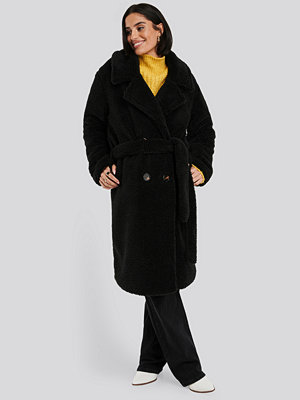 NA-KD Belted Long Teddy Coat svart