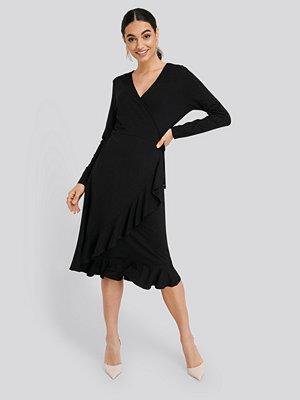Trendyol Wrap Knitted Dress svart