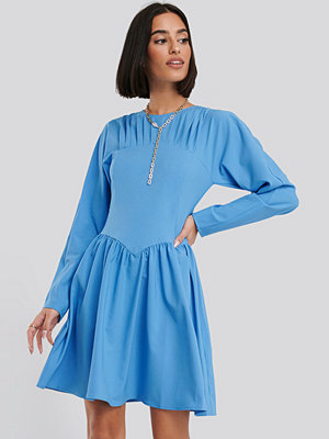 NA-KD Gathered Neck Mini Dress blå