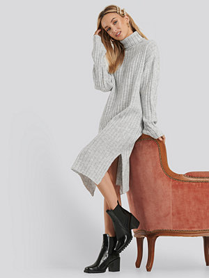 NA-KD Long Rib Knitted Polo Dress grå