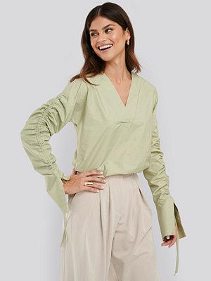 NA-KD Trend Drawstring Shirt grön