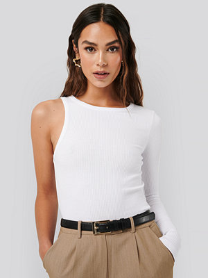 NA-KD Trend One Sleeve Ribbed Top vit
