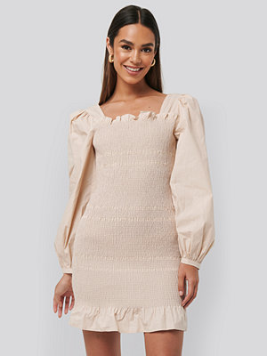 NA-KD Trend Smocked Mini Dress beige