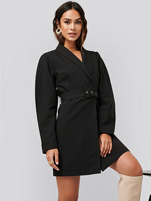 NA-KD Classic Rounded Sleeve Blazer Dress svart