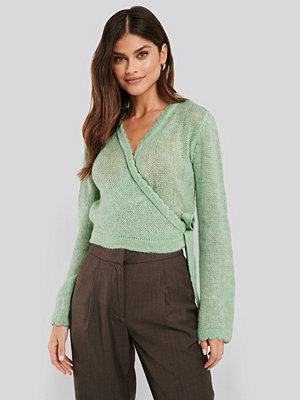 NA-KD Overlap Rib Detail Knitted Sweater grön