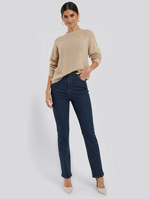 NA-KD High Waist Back Slit Straight Jeans blå