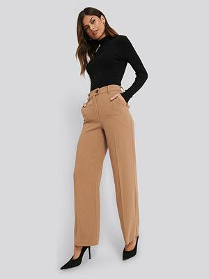 NA-KD Classic Wide Leg Button Pants beige byxor