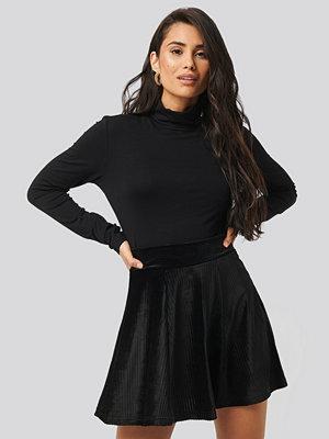 Trendyol Velvet Knitted Skirt svart