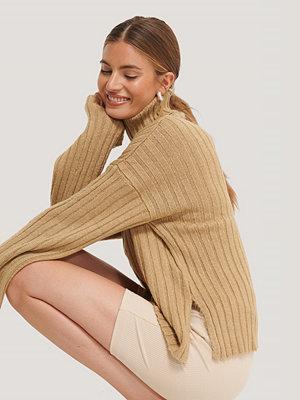 NA-KD Wide Sleeve Rib Knitted Polo beige