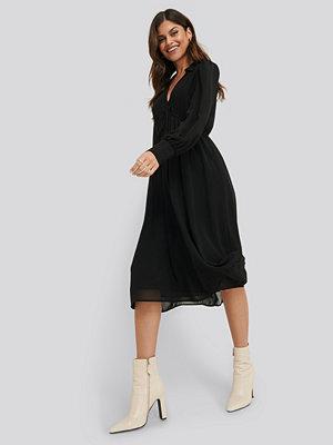 NA-KD Trend Sheer Midi Dress svart