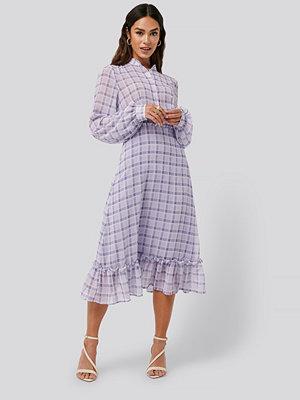 NA-KD Trend Plaid Sheer Midi Dress lila