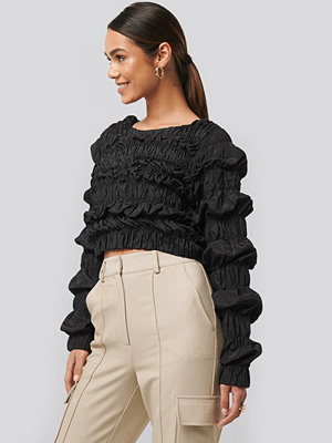 NA-KD Trend Shirred Long Sleeve Top svart