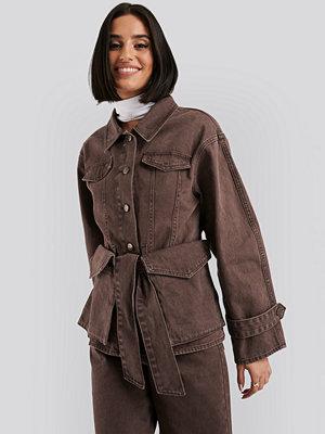 NA-KD Belted Denim Jacket brun