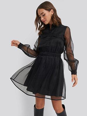 NA-KD Party Organza Pocket Dress svart