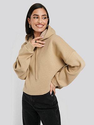 NA-KD Basic Oversized Cropped Hoodie beige