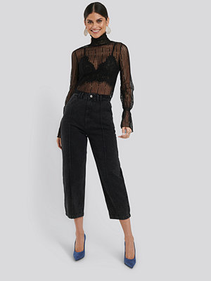 NA-KD Trend Cropped Slouchy Jeans svart