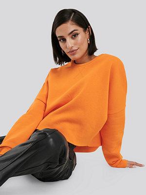NA-KD Basic Raw Edge Sweater orange