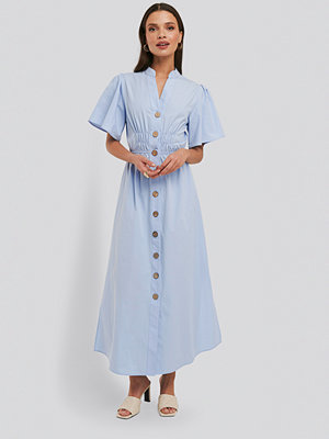 NA-KD Trend Cinched Waist Maxi Shirt Dress blå