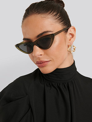 NA-KD Accessories Long Edge Cateye Sunglasses grön