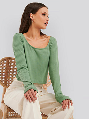 NA-KD Basic Ribbed Long Sleeve Cropped Top grön