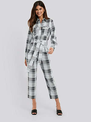NA-KD Classic rutiga byxor Plaid Belted Suit Pants multicolor