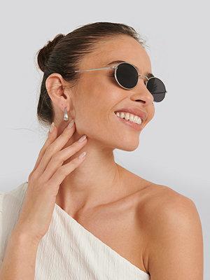 Solglasögon - NA-KD Accessories Oval Metal Frame Sunglasses silver